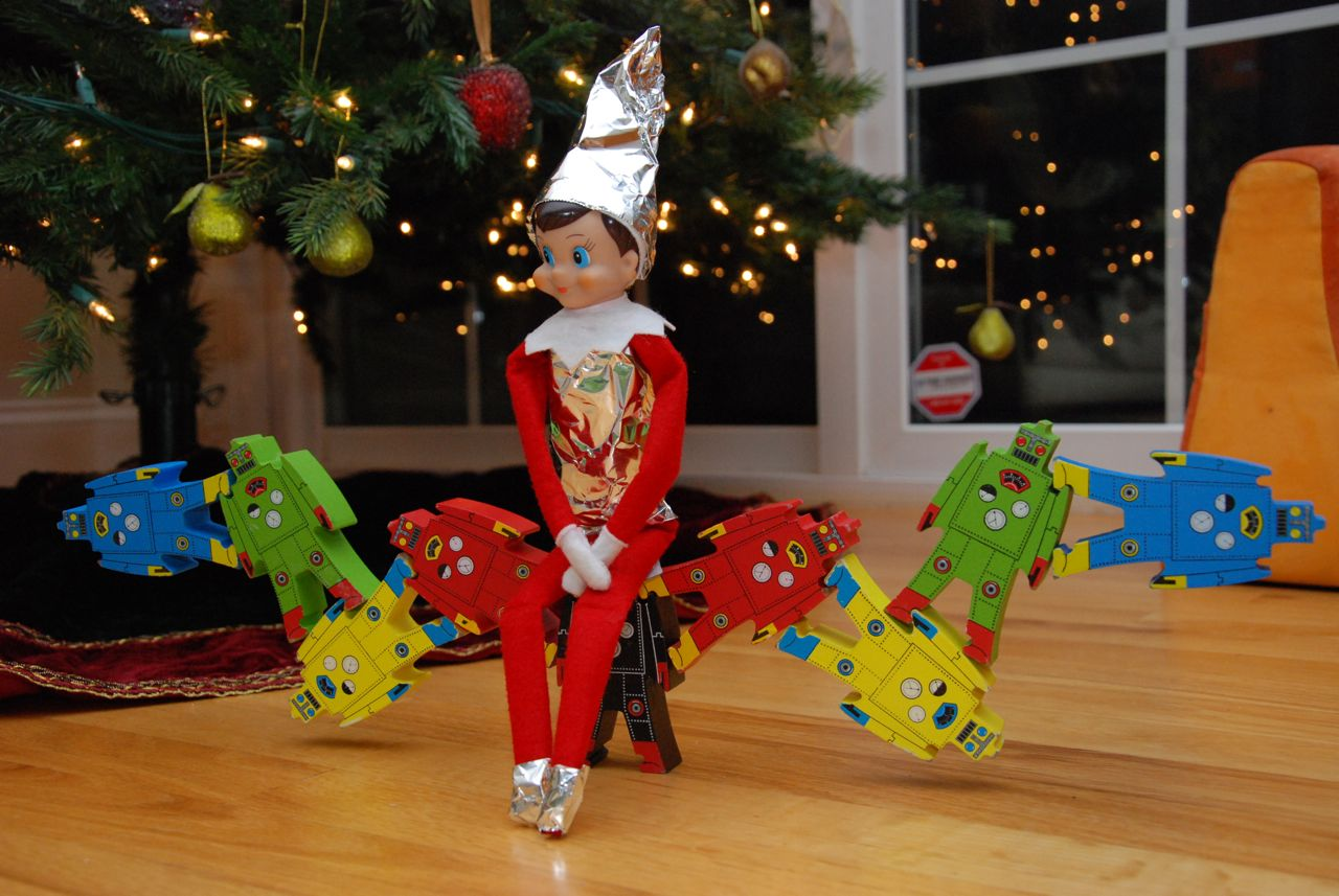 Robo_elf_on_the_shelf