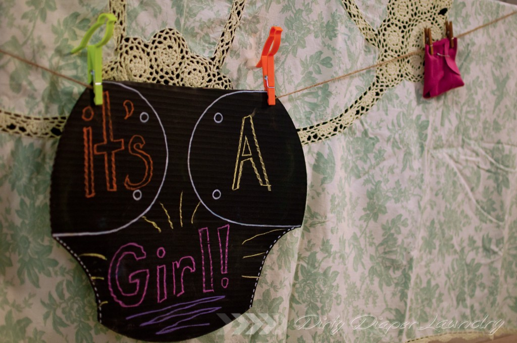 DIY Baby Shower Diaper Sign