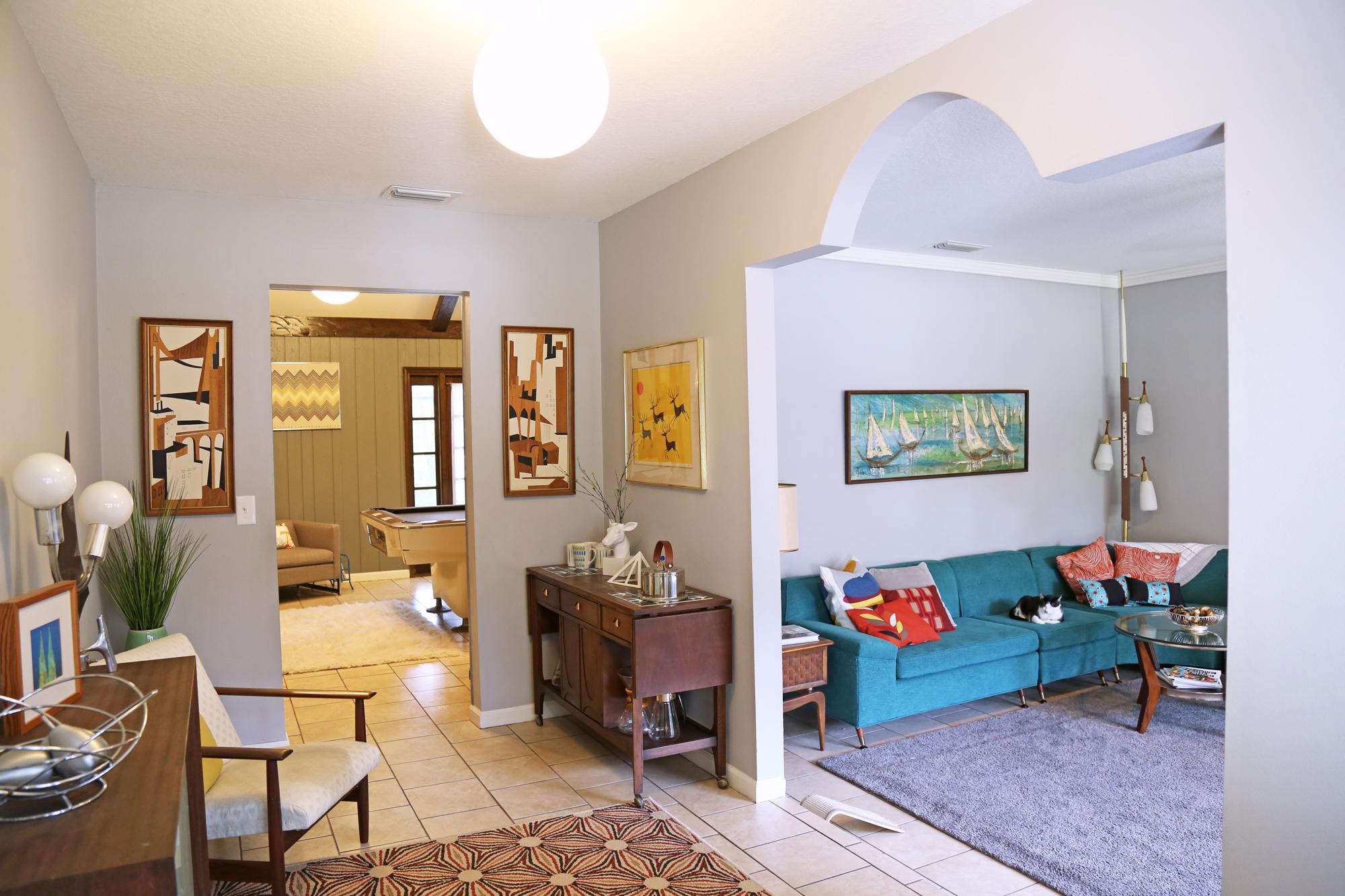 Frontlivingroom-7-15-3