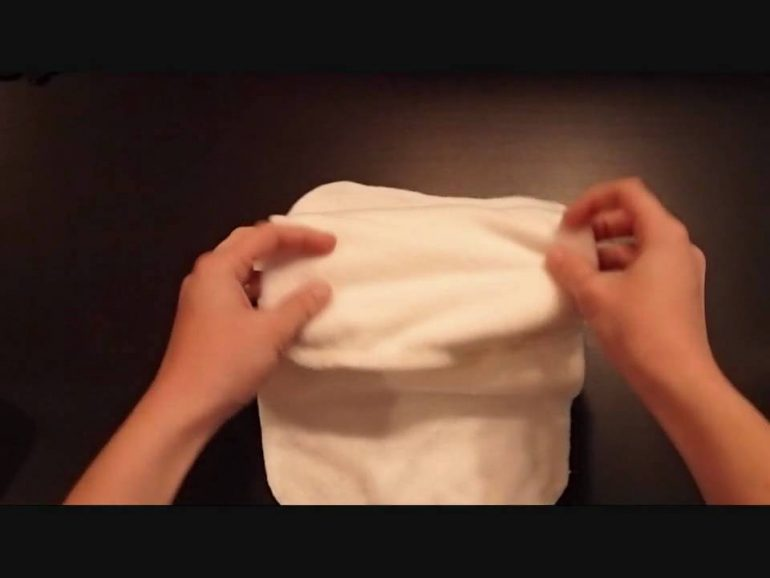 "How to fold Cloth Wipes for a ""Pop up"" Effect"